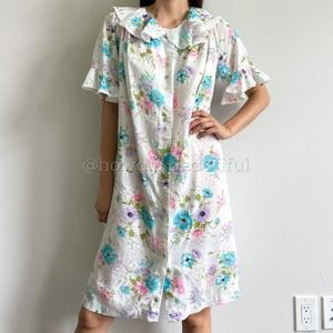 1960s Miss Elaine Floral Button Front NightGown